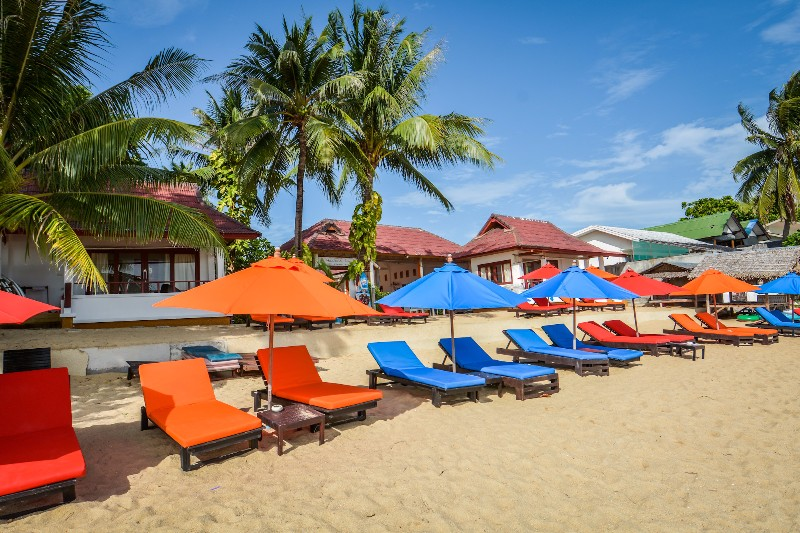 BEACH-HACIENDA-BEACH-RESORT-MAENAM-KOH-SAMUI-THAILAND-NEW-BEACH