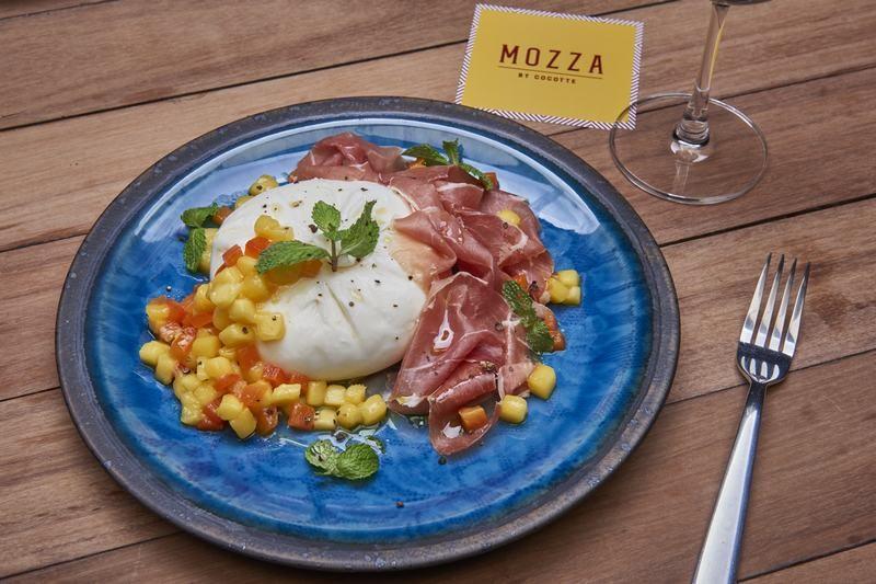 MOZZA-BY-COCOTTE-Restaurant-à-Bangkok-2