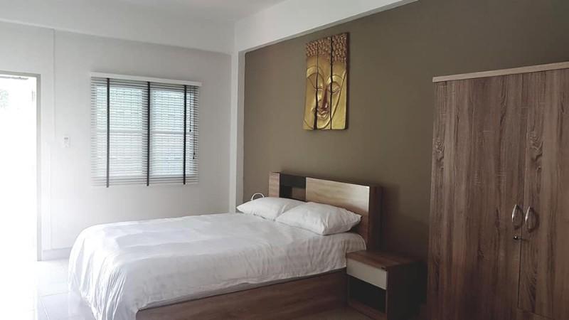 Sunny-Lodge-Guesthouse-à-Jomtien-Pattaya-1