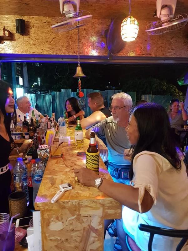 Bar-restaurant-Life-Time-Phuket-5