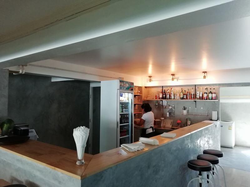 FnB-Hôtel-à-Pattaya-En-centre-ville-100-m.-de-la-plage-2