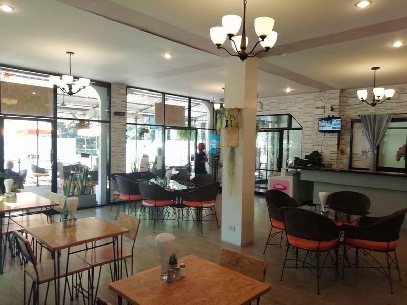 FnB-Hôtel-à-Pattaya-En-centre-ville-100-m.-de-la-plage-5
