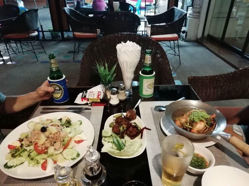 FnB-Hôtel-à-Pattaya-En-centre-ville-100-m.-de-la-plage-7